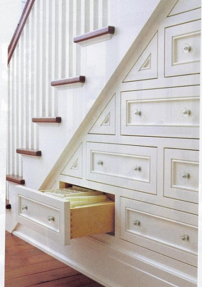 almacenamiento bajo escalera