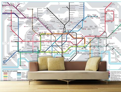 Decoración urbana  inspirada en las líneas de metro